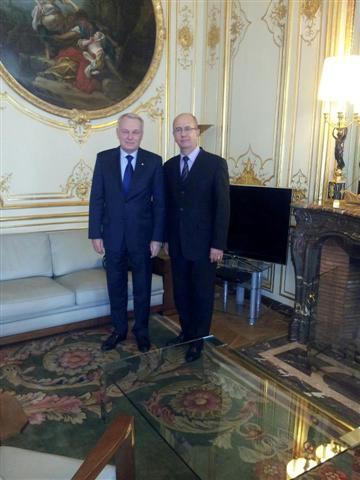 M. le Maire rencontre le Premier Ministre