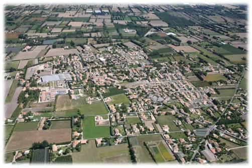 Vue aérienne d'Althen des Paluds
